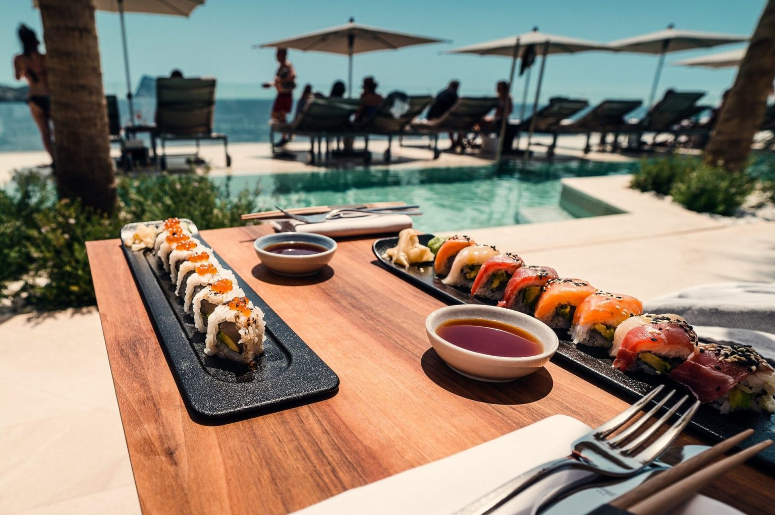 sushi-roll-on-tray-and-table-3475617